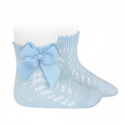 Calcetines cortos de perlé calados con lazo AZUL BEBE