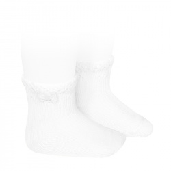 Baby short socks with openwork cuff andsmall bow