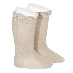 Calcetines altos punto liso con puntilla en puño PIEDRA